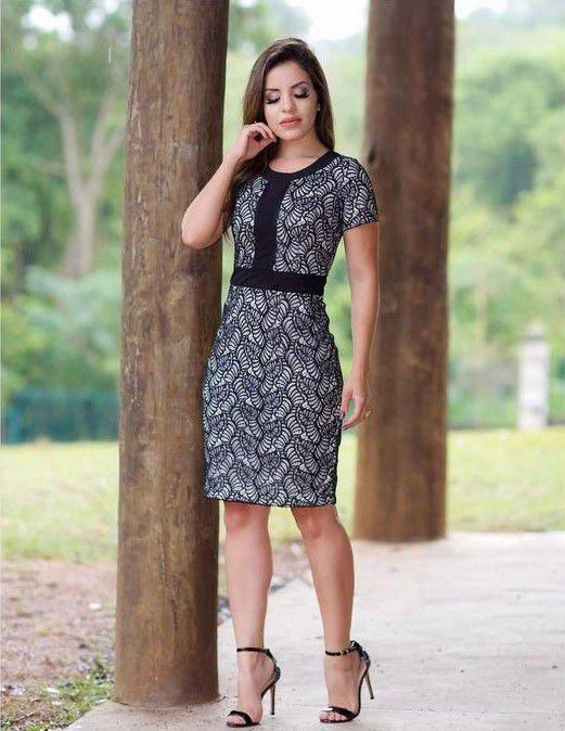 3e9d60125 Vestido Charlote Tubinho em Renda Preta - Flor de Amêndoa - Moda Evangélica