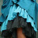Bohemia Tüll-Unterrock mit sehr viel Volumen.   Lässt sich hevorragend mit verschiedenen Kleidern und Röcken kombinieren.  Den Rock kannst Du 1 bis 2 mal im Bund umschlagen, um die Länge zu...