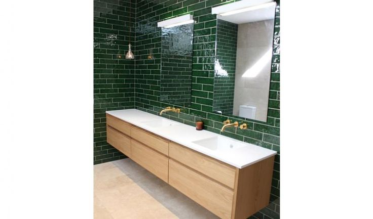 How stunning are these emerald green subway tiles!? We love this space created by John Nunn Building in Orange, New South Wales.
