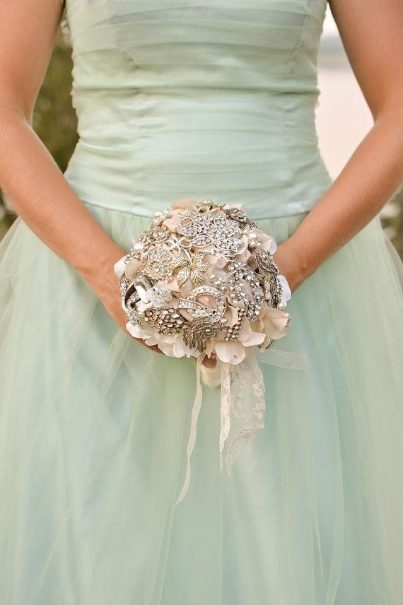 Beautiful Ivory and Cream Vintage Heirloom Brooch Bouquet