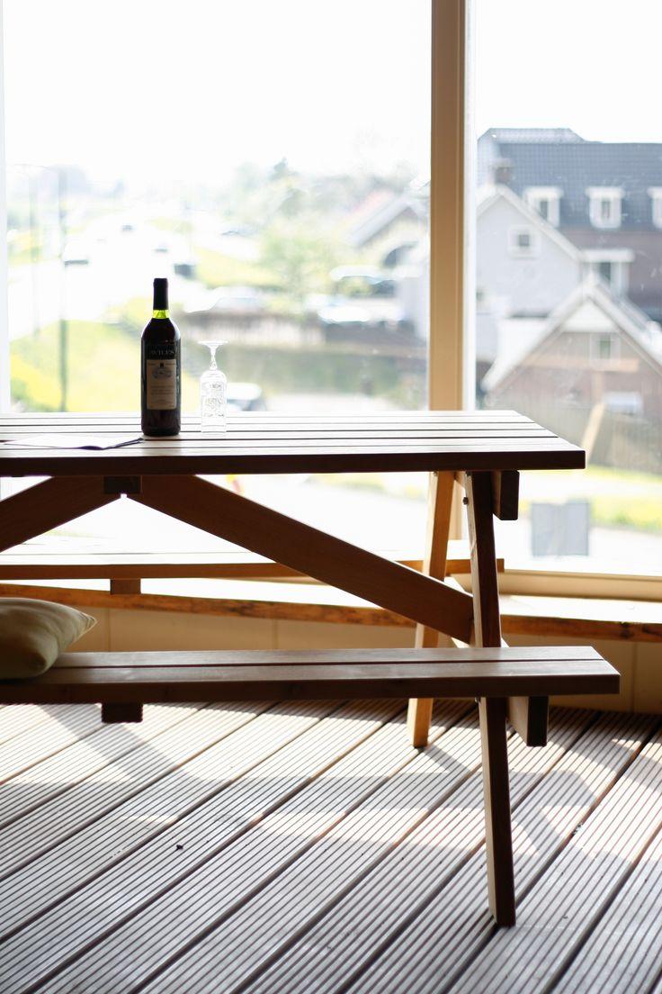 NuBuiten beleving // Beleef het assortiment! Zoals de Robinia #picknicktafels nubuiten.nl/...