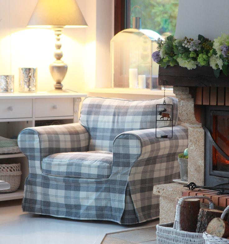Nowy katalog: http://www.dekoria.pl/katalog-produktow.html   Kolekcja Edinburgh. #salon #livingroom #meble #furniture #decoration #tkaniny #idea