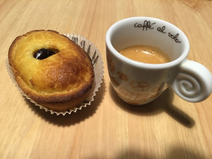 Breakfast with Espresso and a delicious Pasticiotto, a typical pastry from the beautiful city of Lecce!  #ofantobuyfromitaly #italy #lecce
