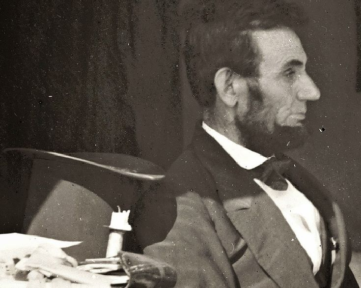An enlargement of a detail of one of Alexander Gardner's famous photos taken on the Antietam battlefield.  This one shows President Lincoln at General McClellan's HQ about two weeks after the battle.  Lincoln urged McClellan to follow Lee into Virginia, but to no avail.  McClellan was relieved of command. JOHN BANKS' CIVIL WAR BLOG: Antietam up close