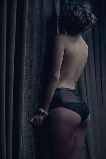 martysimone:  La Perla lingerie::Photo Alfonso Vidal-Quadras:: Magazine La Vanguardia::Location Hotel Alexandra Barcelona::