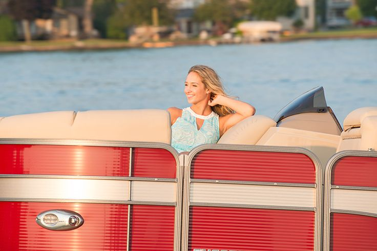 Manitou 23 Encore SR VP: An adult sits shoulder high in the forward lounge, which enhances security and comfort. @manitoupontoons