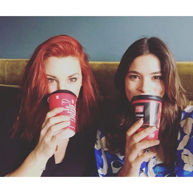 Life + coffee = Vida e caffe... ....Vida + friends = Day Made! #lifeandcoffee #vida #vidacoffee #memories
