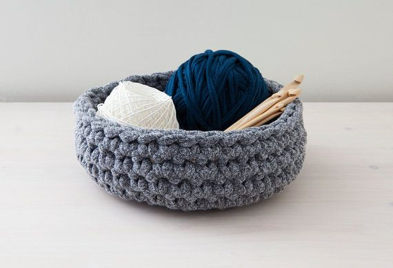 Black/white crocheted basket - Made by Home Sweet Home Design (Etsy shop)