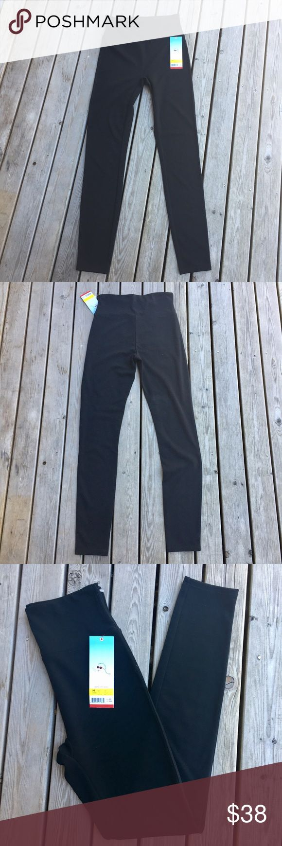"NWT Spanx Red Hot Label Structured Leggings Blk. M NWT skinny bottom black spanx. Size Medium. Waist 31-33"" hips 38.5-40"" SPANX Pants Leggings"