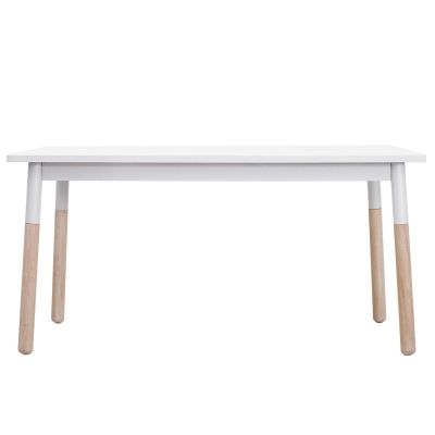 Rio spisebord fra Department. Et moderne bord med myke former og med typisk skandinavisk design. Spi...