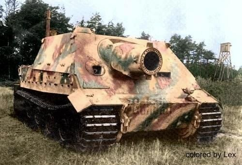 this is a Sdkfz 181 StuM Sturm Tiger (Morser) w Rw-61 L5.2 38cm Rocket Mortar (Carries 14 Rds) on SPG (Self Propelled Gun) NOT Tank