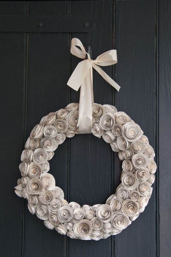 DIY paper rosette garland! Event design by Morgan Gallo Events photo by Azelle Photography: Rose Flowers, Morgan Gallo, Flowers Wreaths, Azell Photography, Diy Paper, Rosette Garlands, Events Photo, Gallo Events, Paper Rosettes