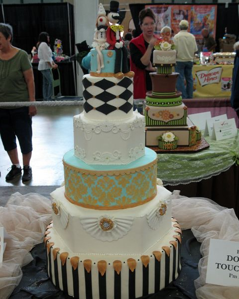 Cake Decorating Store Tulsa : The color with harliquin is beautiful! the Oklahoma State Sugar Art Show (OSSAS) an annual event ...