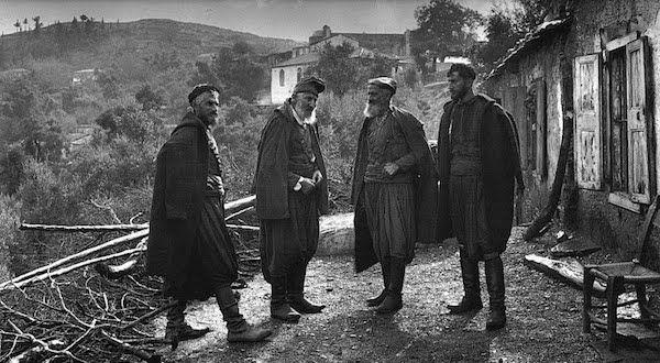 Αδελφοί Μάντακα στο χωριό Λάκκοι της Κρήτης (1911)