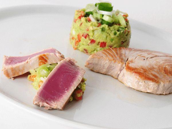 10 Weeks Body Change Rezept: Thunfischsteak mit Wasabi-Avocado-Dip
