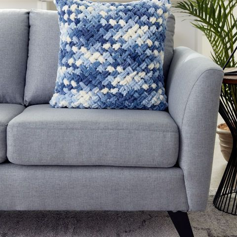 How To Make A Bernat Alize Blanket Ez Criss Cross Pillow