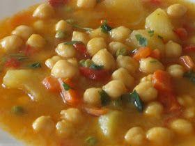 Ingredientes:   - 200 gr de garbanzos cocidos - 4 cebollas - 1 diente de ajo - 4 patatas - 200 gr de guisantes - 100 gr de zanahorias - 1 p...