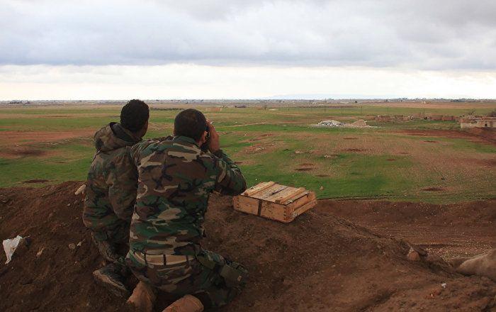 """Bei den türkischen Bombardierungen in der syrischen Stadt Al Bab (Provinz Aleppo) sind 24 Zivilisten ums Leben gekommen, sagte der Sprecher der kurdischen Oppositionspartei """"Syrischer demokratischer Rat"""", Reyzan Hedu, gegenüber Sputnik."""