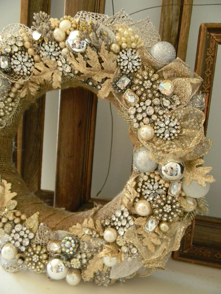 The costume jewelry wreath I made this holiday season!