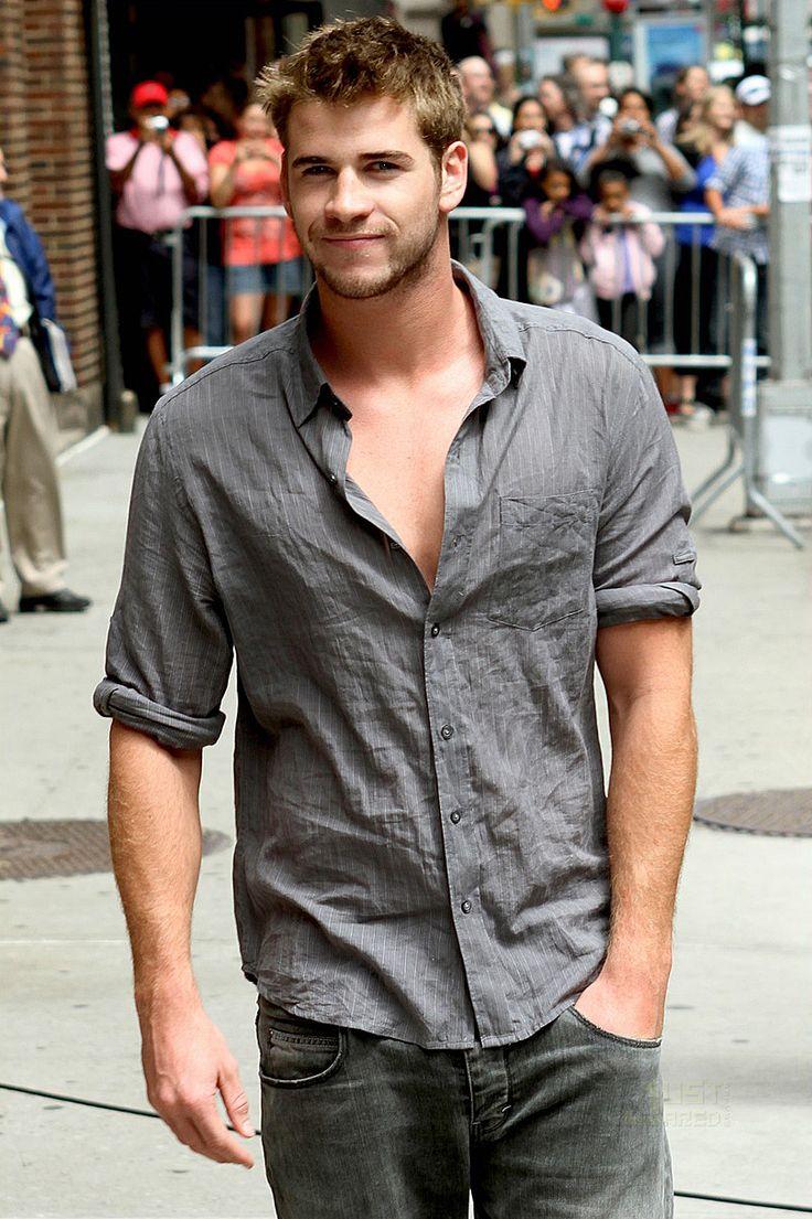 YUM: Eye Candy, Chris Hemsworth, Boys, Yummy Men, Hot, Liam Hemsworth3, Liamhemsworth, Slr Camera, Canon Eos