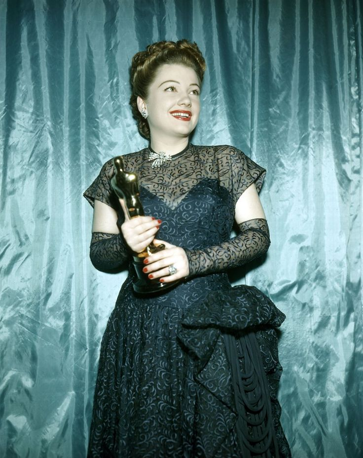 ANNE BAXTER born this date (1923–1985). The Razor's Edge, All About Eve, Five Graves to Cairo, Yellow Sky, Chase a Crooked Shadow, Smoky...