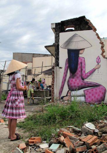 Après son passage à Djerbahood, en Italie, à Shanghai ou encore à Porto Rico, Seth, l'artiste globe-trotter toujours à la recherche de nouvelles rencontres humaines et artistiques, posera ses valises …
