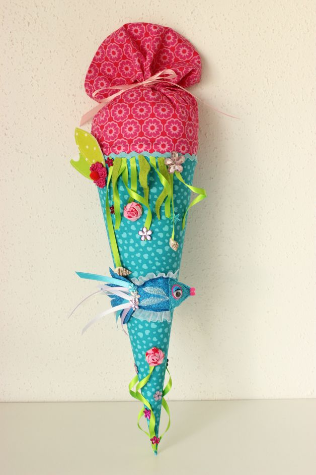 Schultüte aus Stoff zum Thema Unterwasserwelt // underwater world themed school candy cone made of fabric by Anastasiyas Stoffmärchen via DaWanda.com