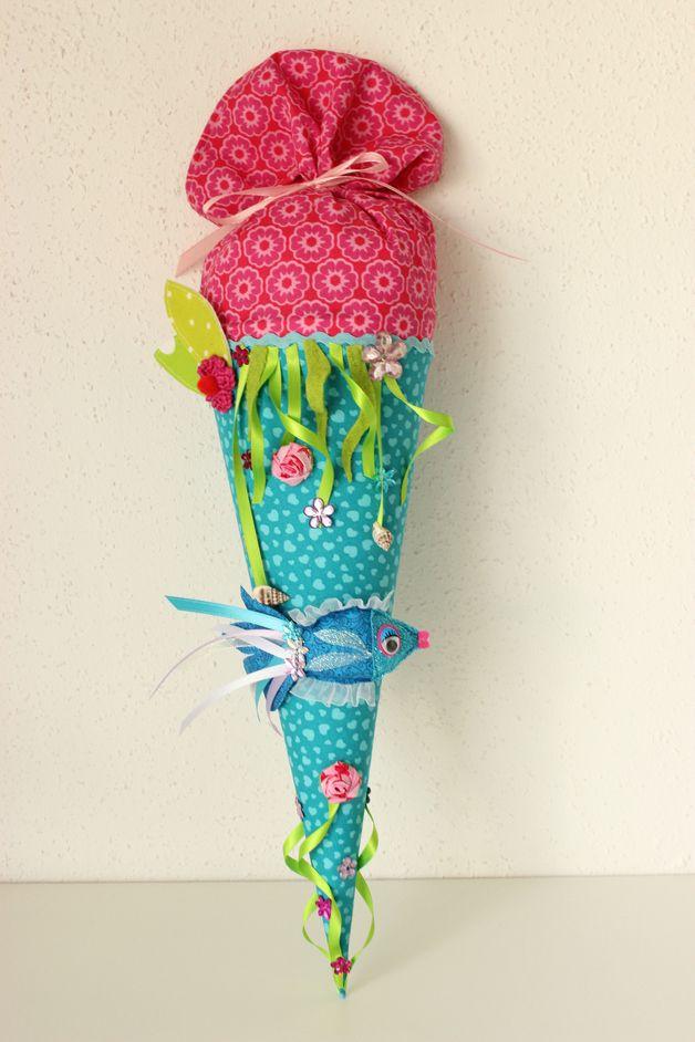 Schultüte aus Stoff zum Thema Unterwasserwelt // underwater world themed school candy cone made of fabric by Anastasiyas Stoffmärchen via DaWanda.com