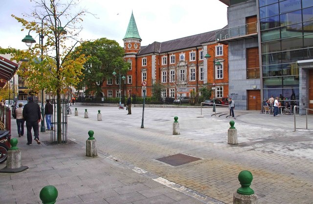 Cork City. This here is Emmet Place.