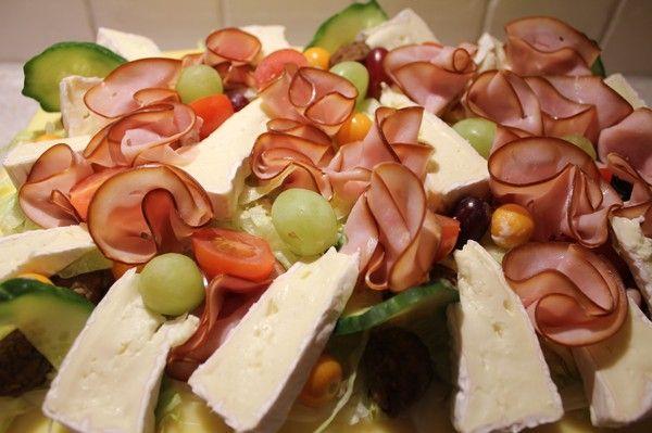 Bakamedfridarundin.blogg.se - Smörgåstårta med Kyckling / curry röra & chilli