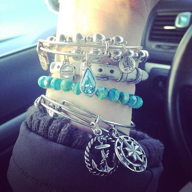 #charmedarms I have the anchor, now I need the compass!