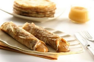 Panqueques (crepes) with Dulce de leche - Argentina