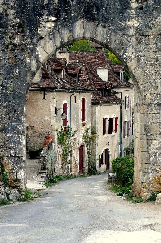 St Cirq Lapopie, France. Photograph by pauline_iow