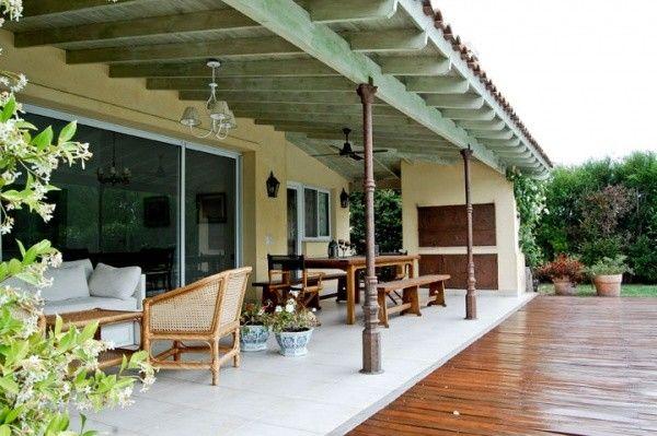 Galerias de casas de campo con parrilla – columna caño – Casa Web