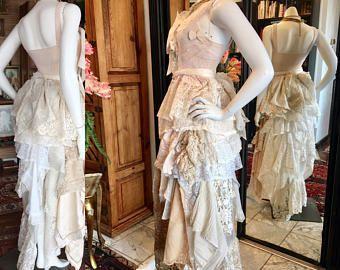 De Bedste Ideer Inden For Tattered Wedding Dress Pa Pinterest