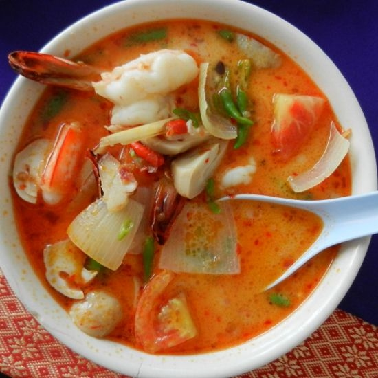 Beginners Guide to Thai Food. Wondering what to eat in Thailand? Start here! http://worldtravelfamily.com Tom Yum Goong or Tom Yam Koong Soup #Thailand #Food