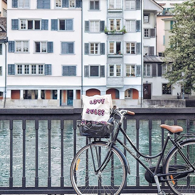 F R I Y A Y 💗 and Zürich feels like a little Venice by the #Limmat river, especially when you see people rolling gondolas!   Yesterday evening, we discovered some new & beautiful parts of Zürich with our bicycles. There are beautiful pavements built especially for bicycles! Thank you @visitzurich & @provelozuerich for showing us, and we will definitely explore more with our bicycles now! And everywhere is not that far away, even with my gear-less bike!
