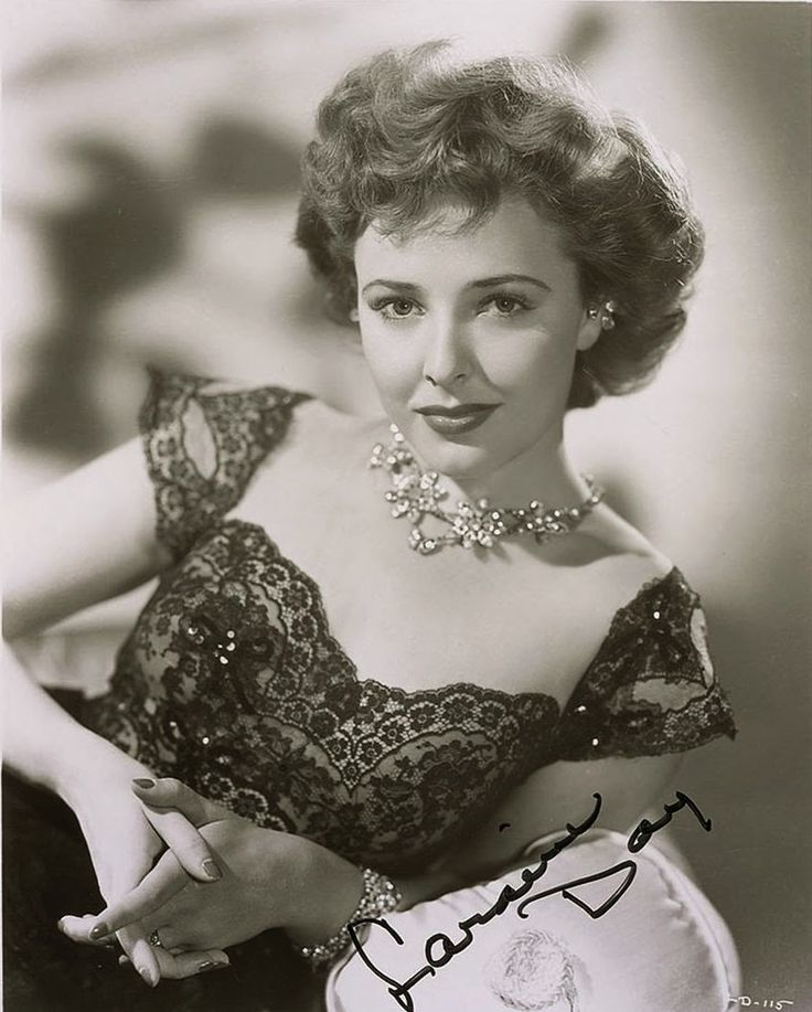 Laraine Day, one of my favorites! https://en.wikipedia.org/wiki/Laraine_Day