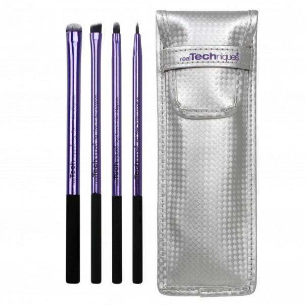 Pinceau x4 Trousse Yeux Real Tech  Ce kit #beauté contient :  - 4 pinceaux yeux pour travailler le ras de cils inférieur et supérieur  - 1 pochette pour ranger et protéger vos #pinceaux