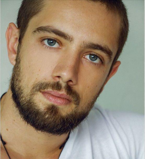 beleza masculina - RAFAEL CARDOSO - belissimo ator da novela GENTE COMO A GENTE - tv globo -2