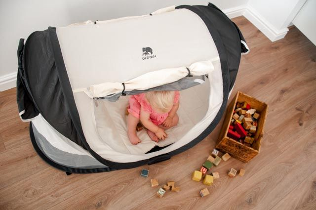 Deryan Peuter Bed.Deryan Pop Up Travel Cot You Can Really Use It In So Many Ways