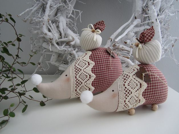 Decoration - Hedgehog with apple / pair in country style - a designer piece of Feinerlei on DaWanda