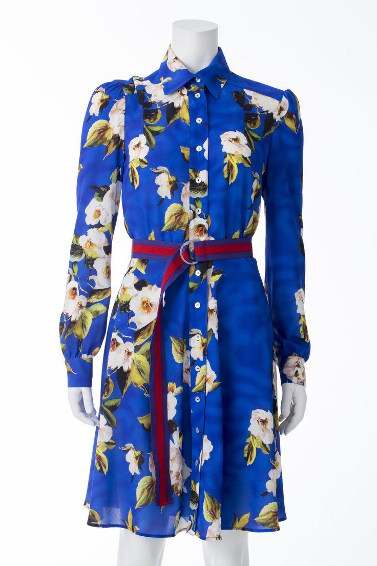 Robe bleu cobalt à fleurs et ceinture, MASKA, 425$ * Cobalt blue floral print dress with belt, MASKA, $425