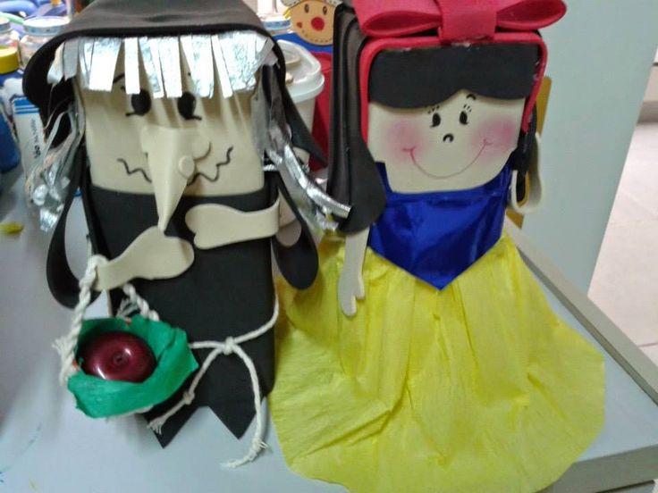 Bonecos para contação de histórias feitos com caixa de leite.
