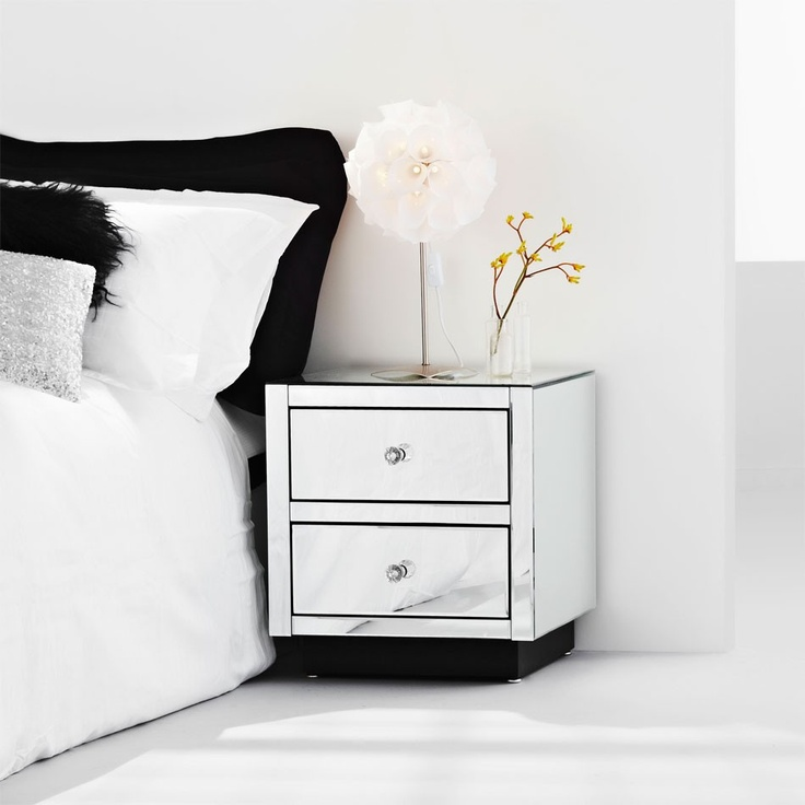 Royal Bedside - Gorgeous mirrored bedside table