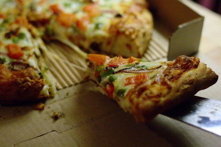 Apartment613 Science! Vegetarian pizza taste test