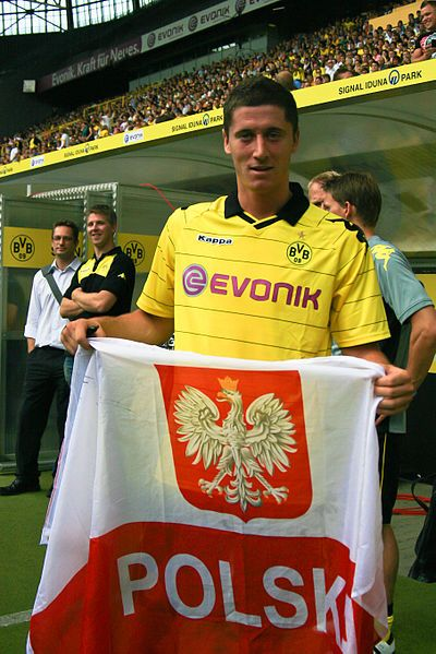 #RobertLewandowski Striker