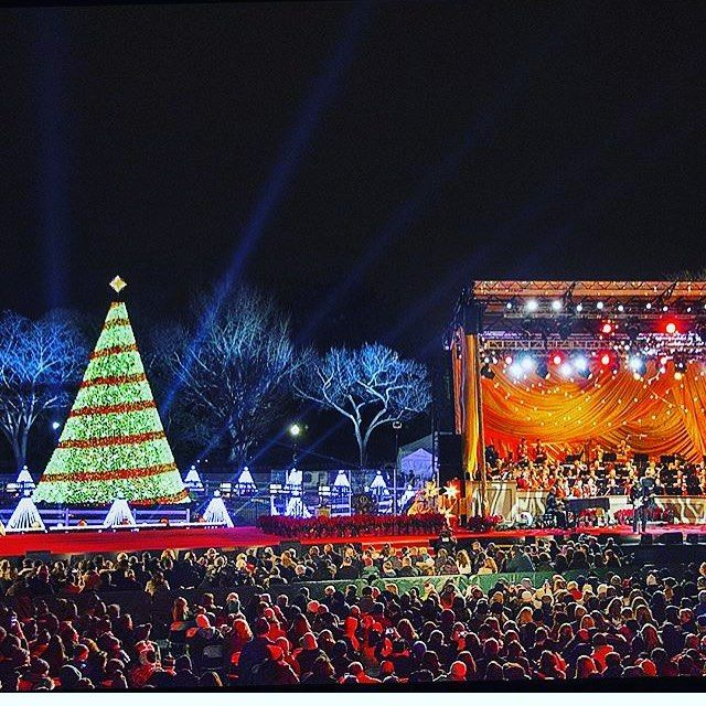 I know it seems waayyy to early to post about Christmas BUT if you want to enter into the lottery to go to the National Tree Lighting Ceremony on December 1st at the White House and hear James Taylor sing then stop what you're doing and get tickets via @recreation_gov. The lottery opens today at 10am and ends October 10th. Repost from @recreation_gov    #Regram via @dcwithkid