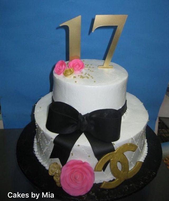 Un hermoso pastel de 2 niveles se verá tan impresionante como una creación de cinco niveles.  201-553-2424. 6002 Fillmore PL - West New York, NJ https://www.Facebook.com/pages/cakes-by-Mia/169874973065260?SK=photos_stream&Tab=photos_albums #CakesbyMia #Bizcochos #Love #weddingidea #weddingcake #Dominicancakes #HappyBirthday #CUMPLEAÑOS #Quinceañera #SweetSixteen #wedding #Miacakes4U #birthday #BabyShower #CBM #SweetSixteen  #Quinceañera