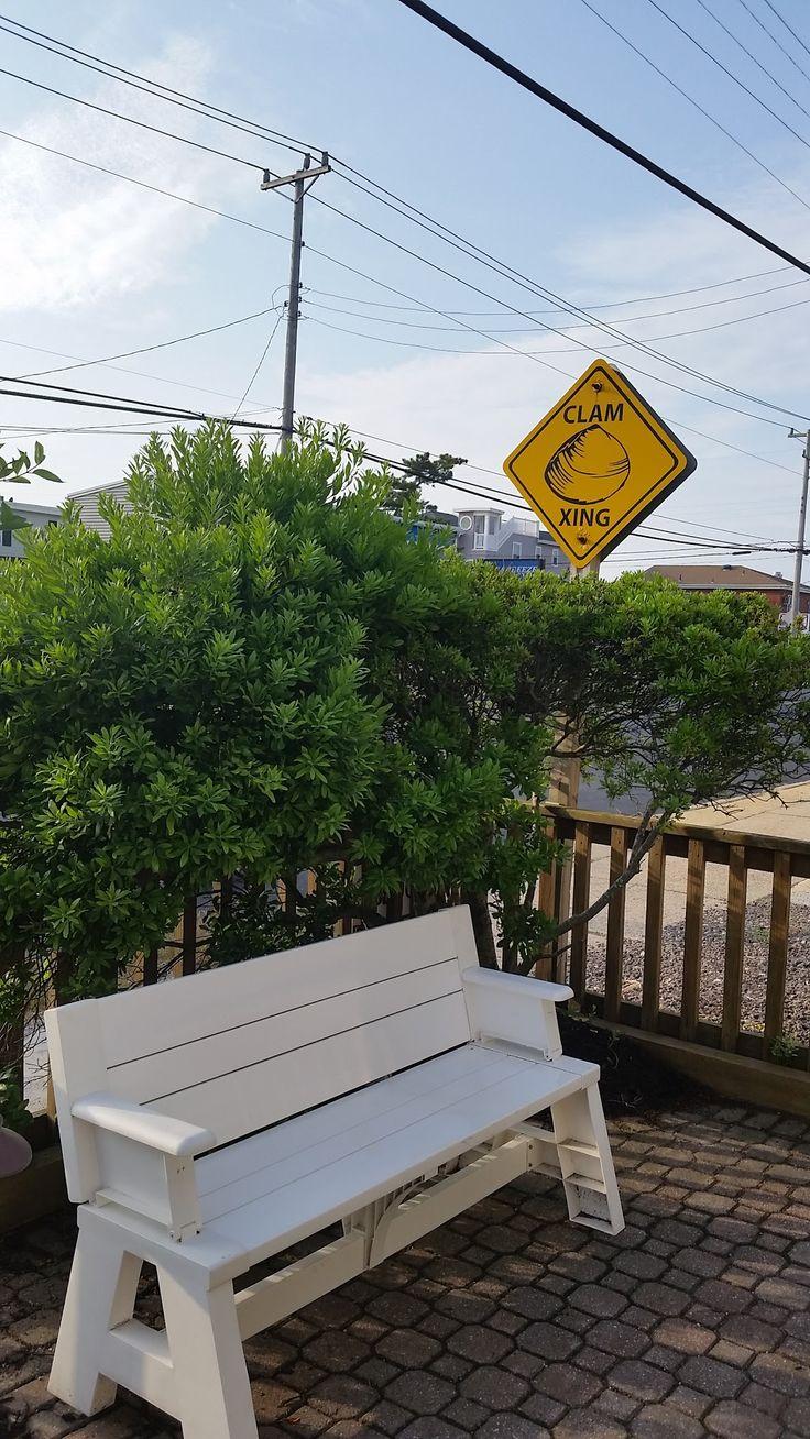 Clam Crossing sign